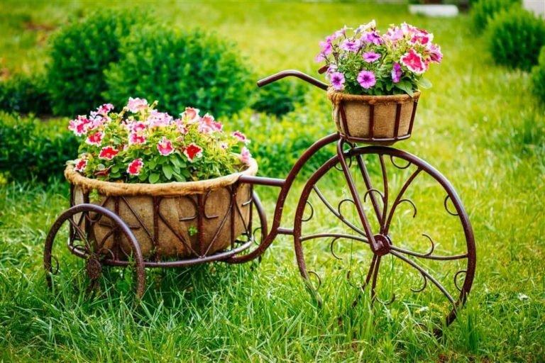 Креативные готовые идеи для цветника на даче