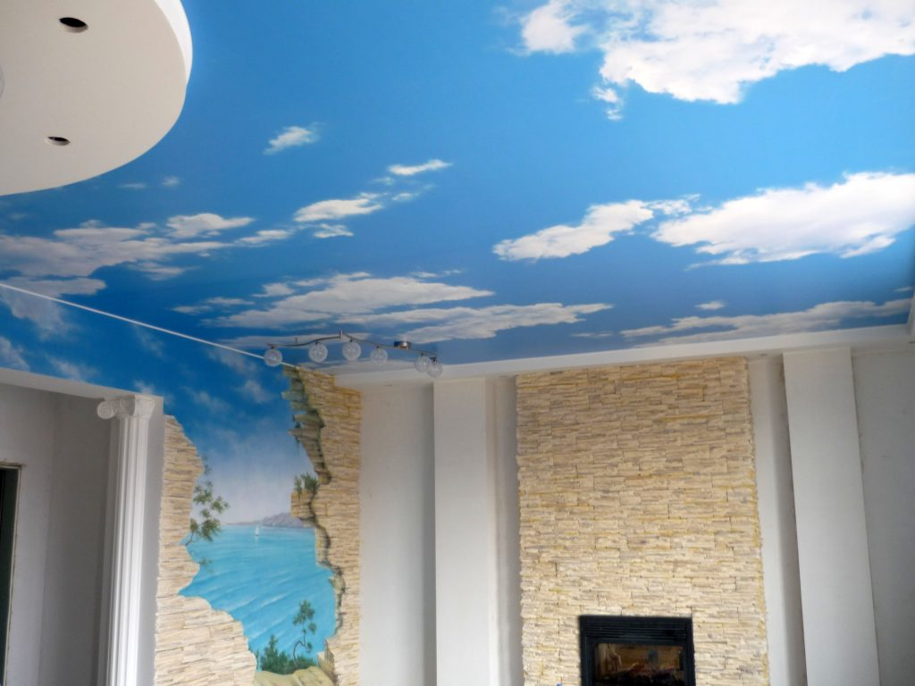 Тканевый натяжной потолок в стиле неба