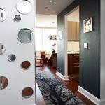 Фото 67: Оригинальный дизайн с зеркалами в прихожей