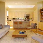 Фото 30: Удобное расположение кухни и гостиной