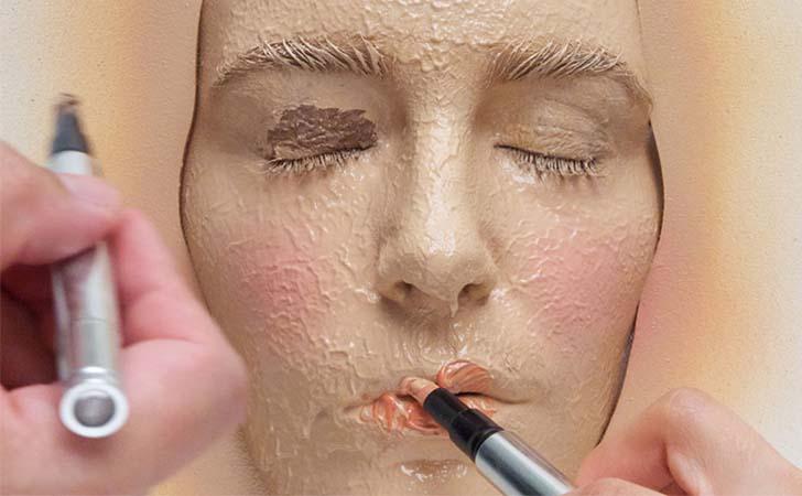 Эффект маски на лице