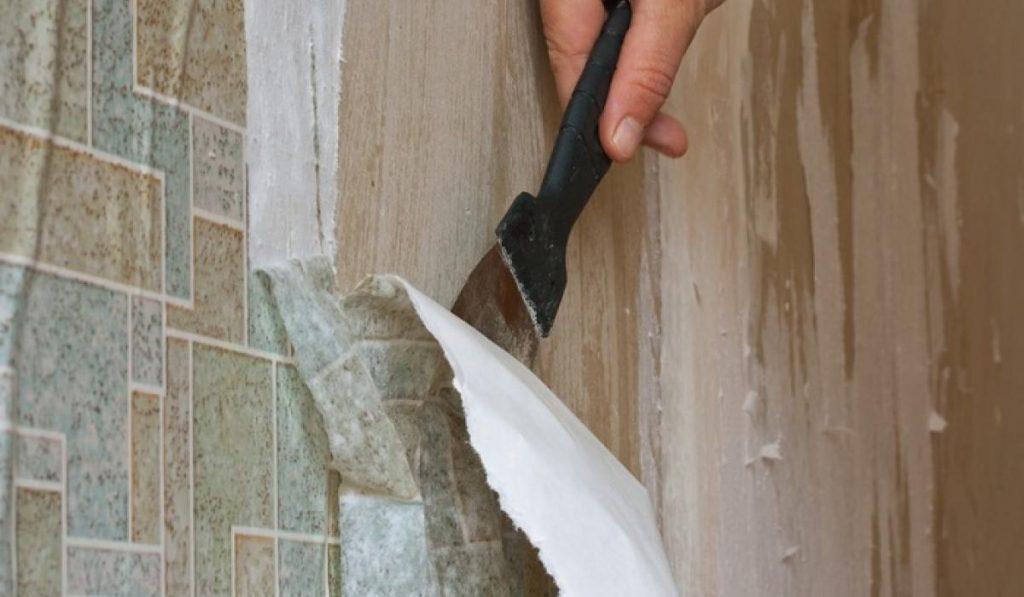 Вычистить стены от обоев