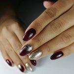 Фото 17: Бордовый маникюр для ногтей