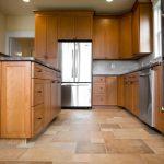 Фото 10: Пол на кухне линолеум