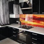 Фото 24: Чёрно-белая кухня