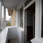 Фото 39: Отделка балкона холодное остекление
