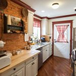 Фото 14: Проходная кухня прованс